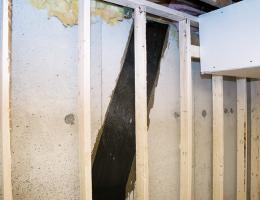 carbon fiber straps used to repair wall cracks