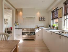 kitchen_lighting_abundant natural light from window_photo Pexels