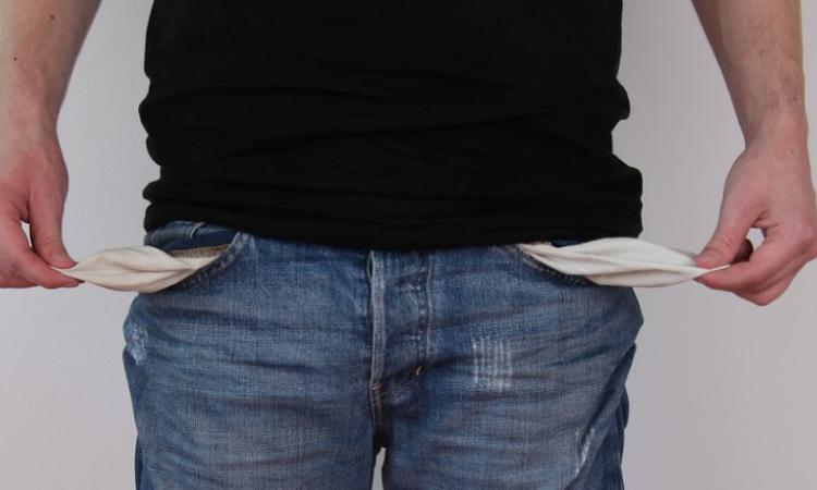 Empty pockets—client won't pay. Photo: Pixabay